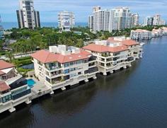 Park Shore Venetian Villas - 4400 Gulf Shore Blvd N 406